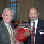 Professor Erik Hansen modtager Modersmål-Prisen 2004