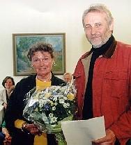 Niels Haugaard modtager Modersmål-Prisen 1997, her sammen med Gerda Thastum Leffers