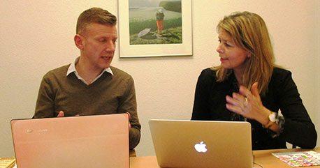 Mette Kaufmann (t.h.) er ny formand for Modersmål-Selskabet, mens Adam Hyllested (t.v.) er ny næstformand