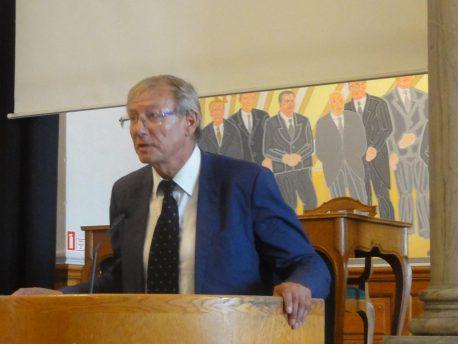 Jørgen Christian Wind Nielsen, Modersmål-Selskabets formand, begrunder tildelingen af Modersmål-Prisen 2016 på Christiansborg