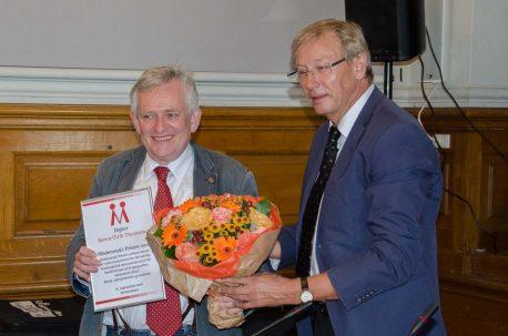 Modtager af Modersmål-Prisen 2016, Søren Ulrik Thomsen, og formand for Modersmål-Selskabet, Jørgen Christian Wind Nielsen